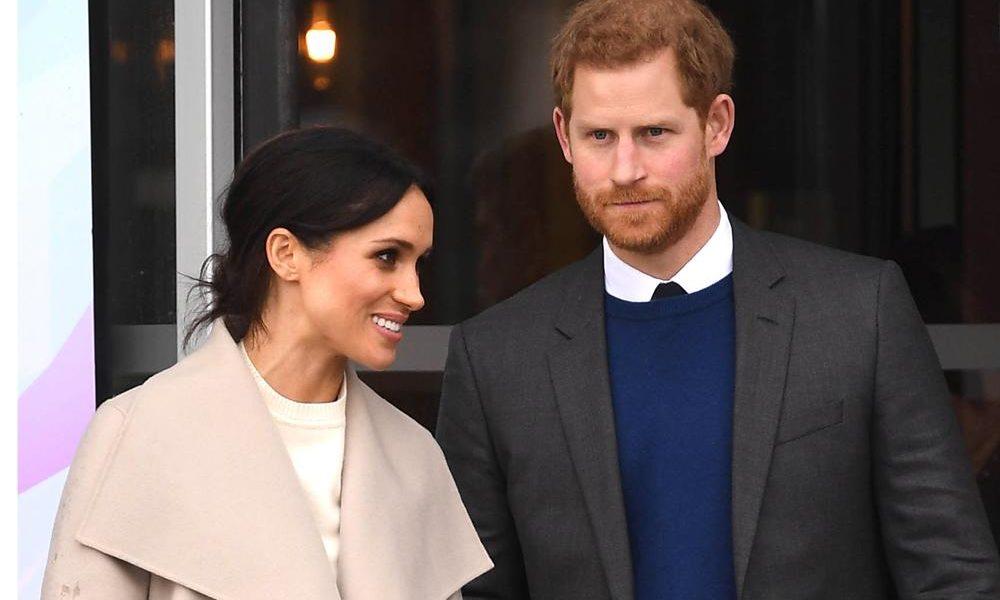 La Reine Elizabeth II donne son consentement officiel pour le mariage du  prince Harry et de Meghan Markle