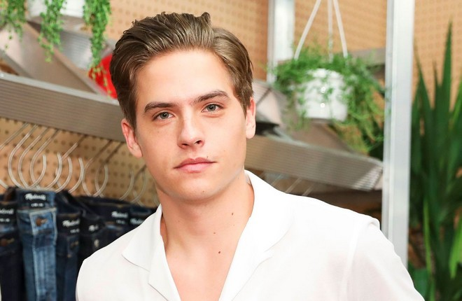 Cole-sprouse-after-chapitre-2